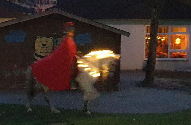 Der rote Mantel und hoch zu Ross - das muss St. Martin sein