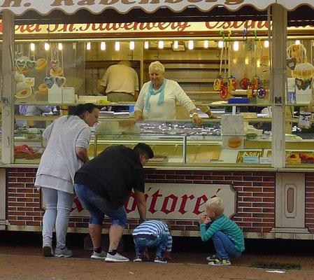 Rabenbergs Berlinerstand ist seit fast 70 Jahren jedes Jahr beim Müggenmarkt dabei.