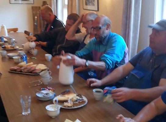 Am Montagmorgen gab es für die Helfer ein gemeinsames Frühstück im Sielhus.