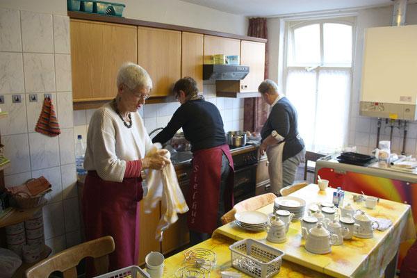 Die Küchen-Crew bei der Vorbereitung