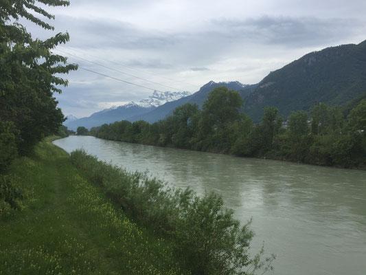 Rhone an der Grenze zum Wallis