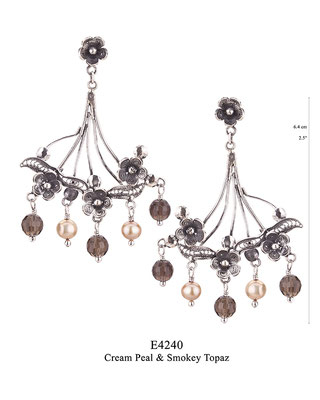 E4240 OXI 100, GP 120: BOTANICAL GARDEN COLLECTION. OXI FILIGREE EARRING FLOWER POST WITH 3 FLOWERS WITH CREAM PEARL & SMOKEY TOPAZ DROPS.