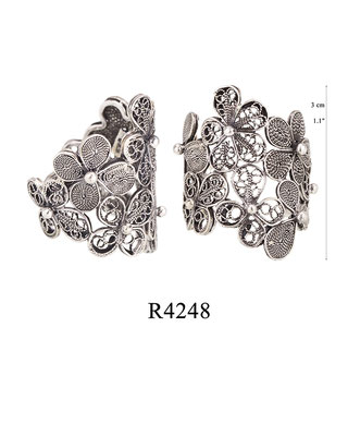 R4248 OXI 64, GP 74: BOTANICAL GARDEN COLLECTION, FILIGREE OXI RING.