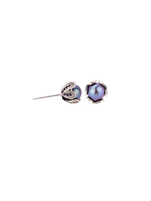 E4195 OXI 36, GP 42:  OXI POST EARRING GREY PEARL.