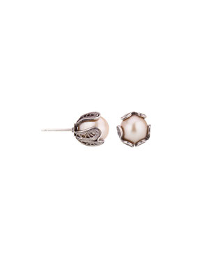 E4197 OXI 48, GP 54:  OXI EARRING POST W/ CREAM PEARL.