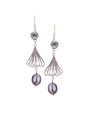E4200 OXI 75, GP 85: OXI EARRING HANGING W/ LIGHT GREEN AL IN CUP, FILIGREE LEAF W/ GREY PEARL DROP.