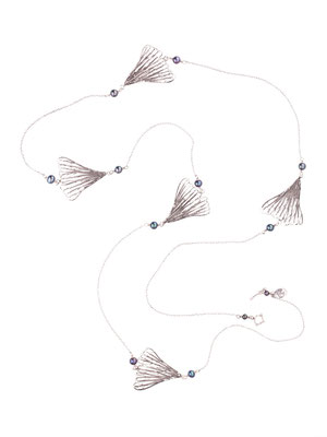C4216 OXI 170, GP 200: OXI NECKLACE CHAIN W/ GREY PEARL, 5 FILIGREE LEAF 120CM.
