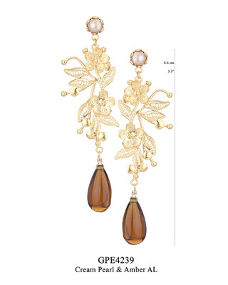 GPE4239 GP 176, OXI 156: BOTANICAL GARDEN COLLECTION. GP FILIGREE AND SOLID EARRING, POST WITH CREAM PEARL IN CUP, FILIGREE FLOWER AND LEAVES WITH AMBER AL DROP.