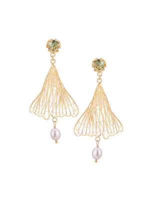 GPE4205 GP 115, OXI 95: GP EARRING POST W/ LIGHT GREEN AL. FILIGREE LEAF SILVER PEARL DROP.