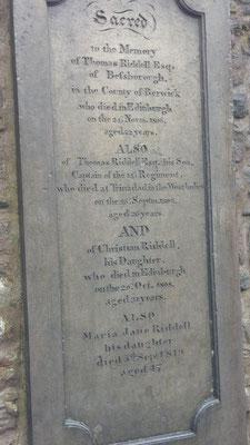 Das Grab von Tom Riddle. Harry Potter Fans sollte er ein Begriff sein.