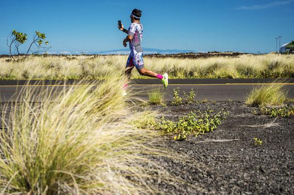 Eins meiner Lieblingsbilder. Es spiegelt ganz gut eine bestimmte Gruppe der Triathleten auf Hawaii wieder.