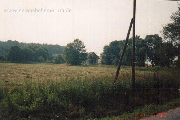 Schmalzgruben am 1. August 1990 mit den letzten beiden alten Häusern.