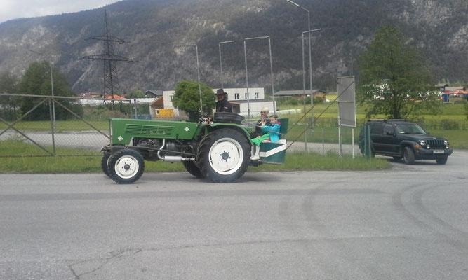 Didi, Britta und Angie Mair Traktorverein Rietz
