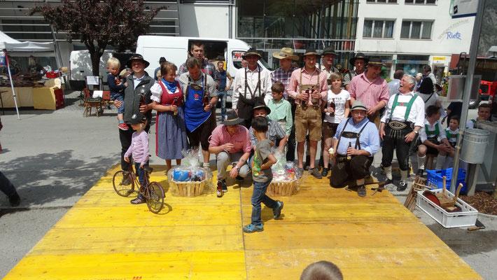 Gruppenbild der Gewinner Mai 2015