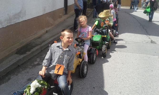 Adrian (1) und Sarah (2) aus Rietz