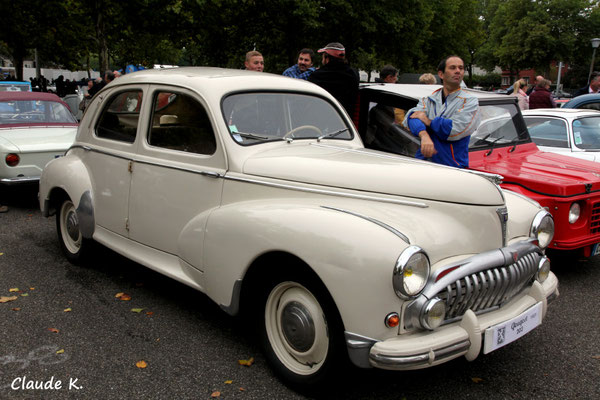 Peugeot 203 1951 petite lunette nouvelle calandre