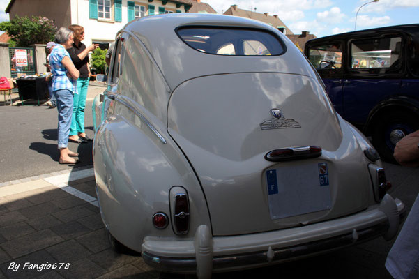 Peugeot 203 1951 petite lunette