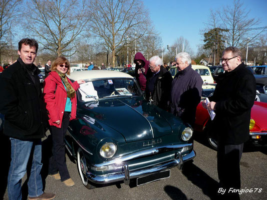Corinne, Martin, Guy et René entoure la Grand-Large
