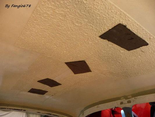 L'intérieur du toit sans le ciel de toit