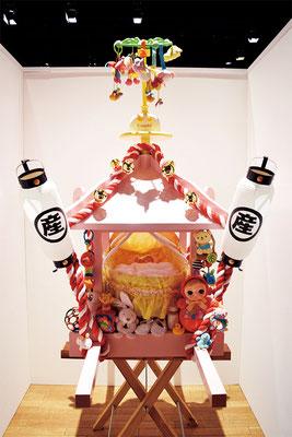 出産神輿 omikoshi of birth    赤ちゃんの人形、おもちゃ、哺乳瓶、ご祝儀、提灯、鈴、紅白の綱、赤ちゃん用バスケット