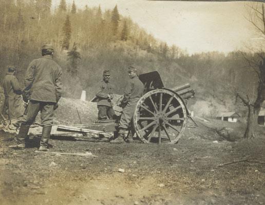 Österreich-Ungarisches Geschütz in Feuerstellung