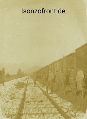 Aufnahme während eines Haltes auf der Strecke vom 12.10.1917. Sammlung Isonzofront.de