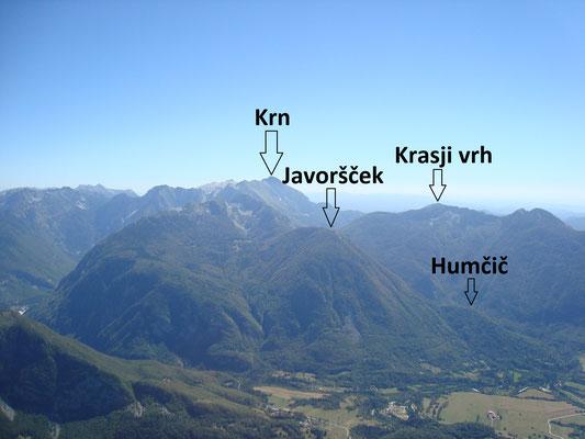 Blick in das Bovecer Becken Richtung Süden vom Gipfel der Cukla
