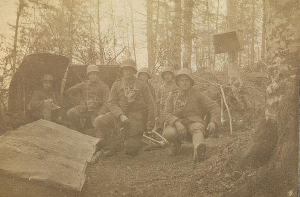 Die Bedienung mit ihrer Gebirgs-Kanone in Stellung 1917
