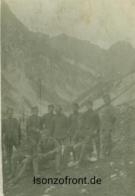 Pionier mit Fez während einer Bergtour in den Krnicahängen am 23.10.1917. Sammlung Isonzofront.de