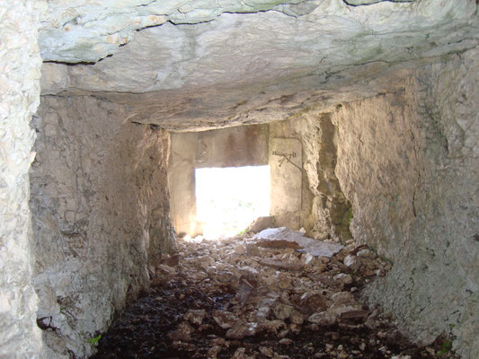 Im Inneren der MG Kaverne.