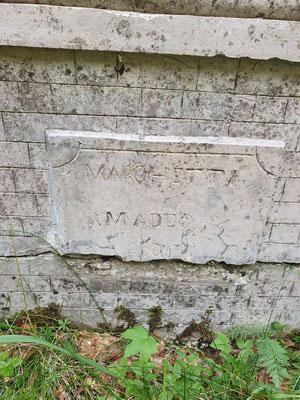 Inschrift am Altar.