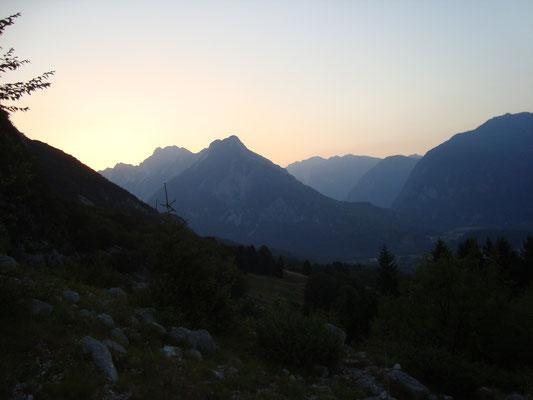 Aufstieg zur Cukla bei Sonnenaufgang.