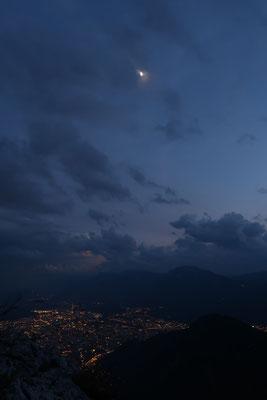 marmotte/2020.06.28 22:09/フランス、ビヴィエ、近くの山/月齢 7.46