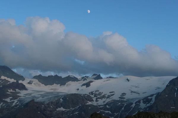 marmotte/2020.07.29 20:22/フランス、アルブ山脈、レリエ湖