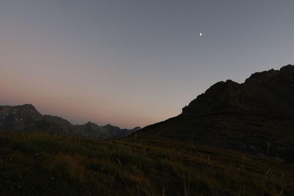 marmotte/2020.07.27 21:25/フランス、エクラン山脈、コットベル峠