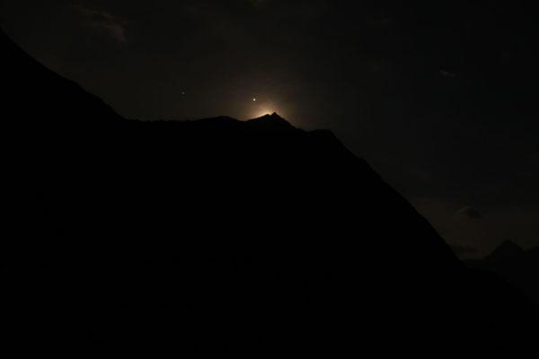 marmotto/2020.08.01 23:25/フランス、グランルス山脈、ゴレオン湖