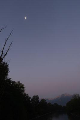 marmotte/2020.09.08 06:57/フランス、グルノーブル、川沿い