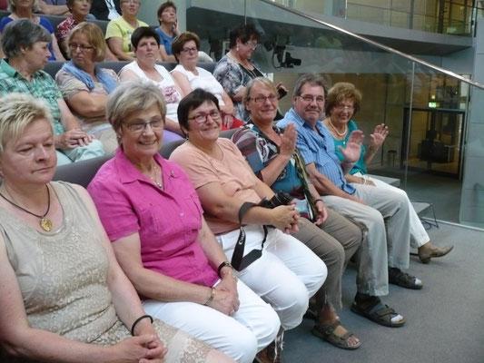 ... im Plenarsaal - Zuschauertribüne