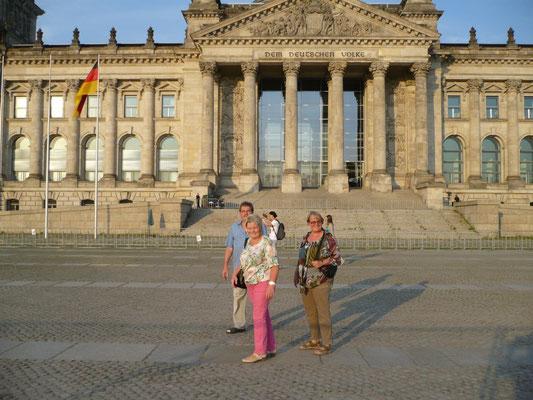 ... vor dem Reichstag