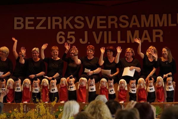Auftritt von Landfrauen des OV und Karnevalsverein