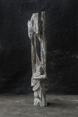 Présence de bois, 2013, whitewashed oak, 211 x 58 x 40 cm <br> © Frédéric Ducout