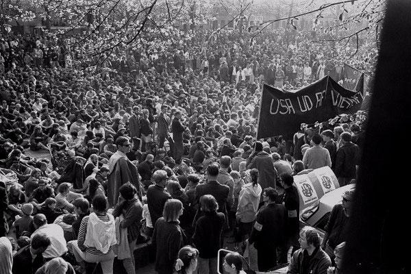 København, d. 27. april 1968: Over 30.000 deltog i Vietnamsolidaritetsdemoen