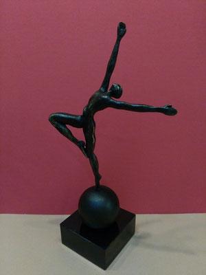 """Elegance"", Marmorsockel, bronziert,  Höhe: ca. 33cm, 129,-€*"
