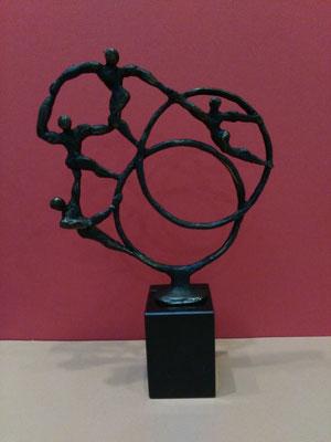 """In Motion"", Marmorsockel, bronziert, Höhe: ca. 25 cm, 119,-€*"