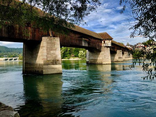 Europas älteste Holzbrücke über den Rhein in die Schweiz