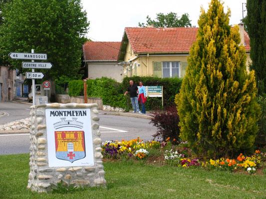 Kleiner Spaziergang ins Dorf