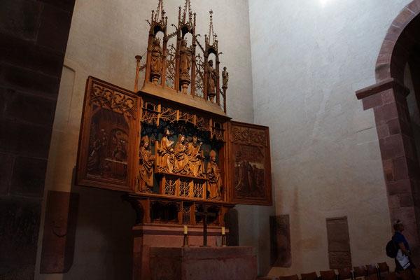 Altar im 900 Jahre alten Kloster