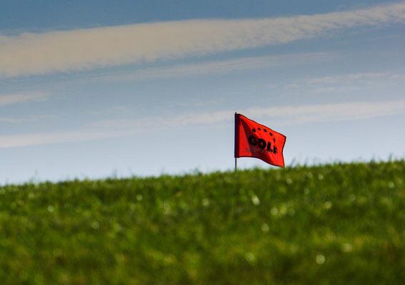 Fahne auf dem 18. Grün vom GC Biblis-Wattenheim