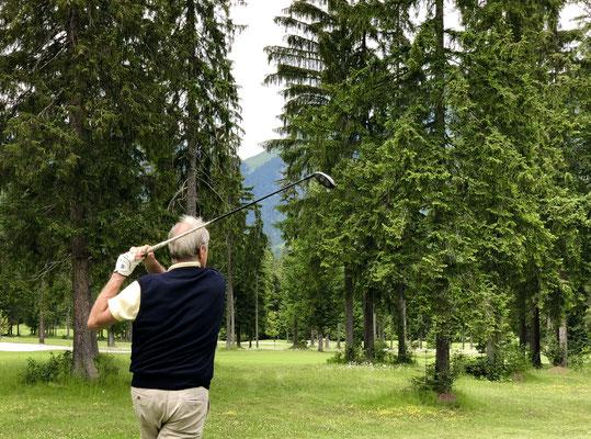Trotz vieler Bäume immer faire Golfbahnen.