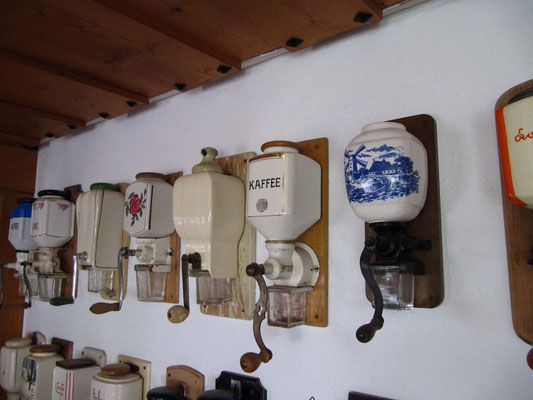 """Im """"Land-gut-Hotel"""" Kolmenhof wird liebevoll der Sammlerleidenschaft Ausdruck gegeben."""
